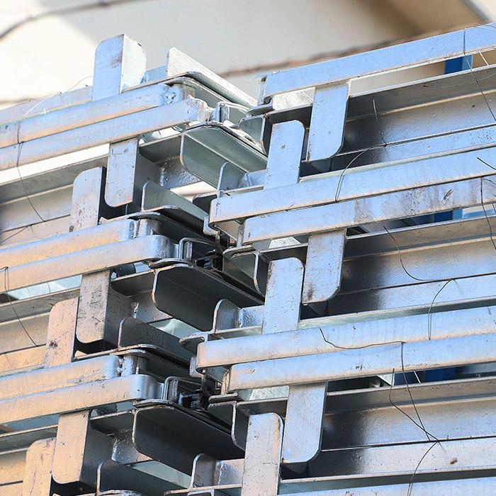 ・ラス型枠 ・鋼製型枠 ・NFボード(再生樹脂型枠) ・スーパー側溝 ・ベランダ排水溝型枠(L=1800)